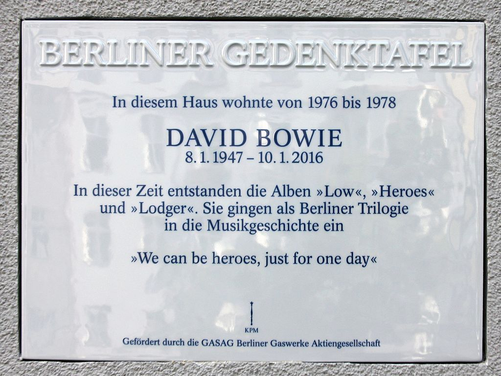 berliner_gedenktafel_hauptstr_155_scho%cc%88n_david_bowie