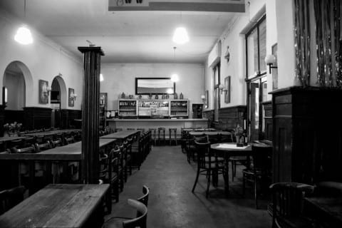 The German illustrator and photographer Heinrich Zille had his regular place at the bar, where he used to sit and draw.