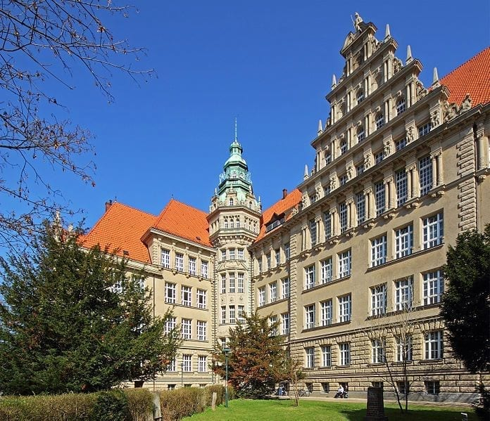 Carl-von-Ossietzky-Gymnasium in Görschstraße, Pankow
