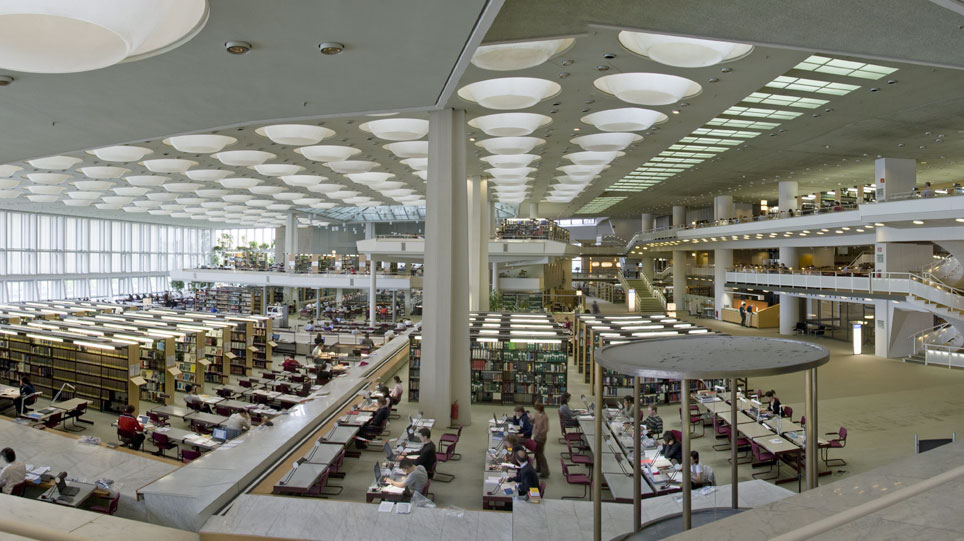 Interior of the Staatsbibliothek on Potsdamer Strasse. Image by C. Kösser.