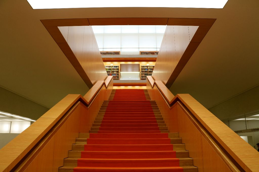 Staircase to the reading room at the Unter den Linden State Library. Image by Robin Oomkes