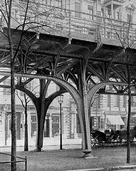 """The original viaduct of the Hochbahn between Potsdamer Strasse and Frobenstrasse, with characteristically """"spread"""" pylons."""