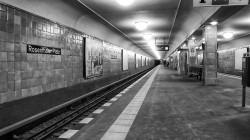 Ubahn-Rosenthalerplatz phaeton1 colour orange (1)
