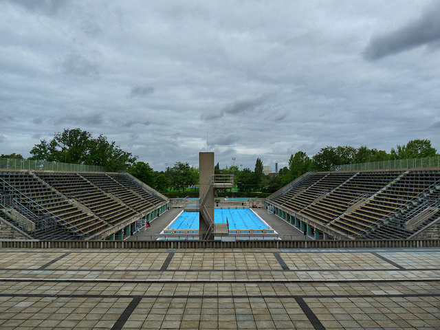 Sommerbad Olympiastadion by Judith