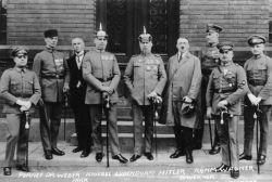 Bundesarchiv_Bild_102-00344A,_München,_nach_Hitler-Ludendorff_Prozess