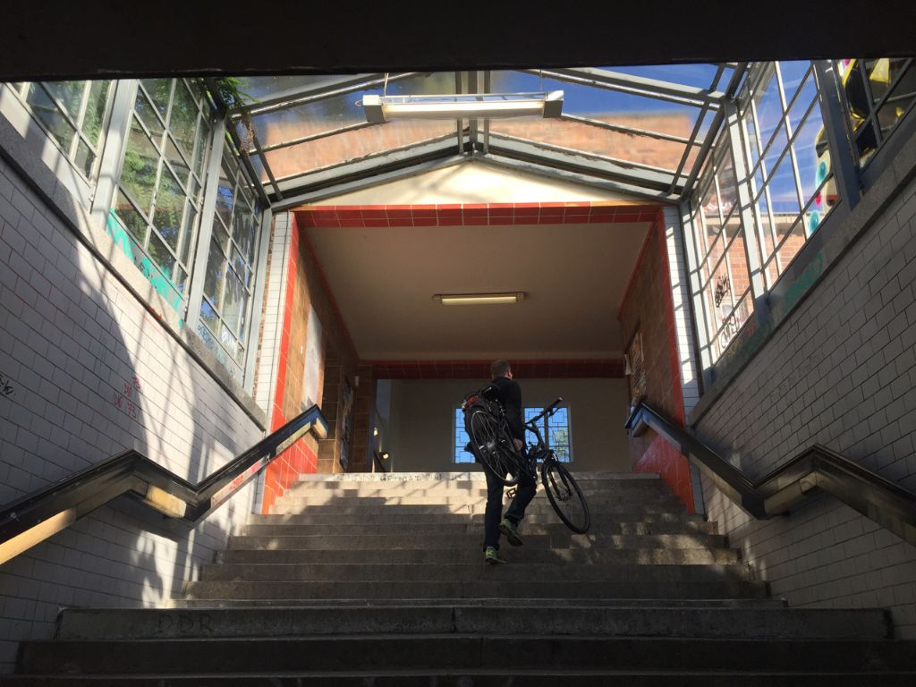 In many S-Bahn stations (like here at Griebnitzsee), you have to carry your bike to the platform.